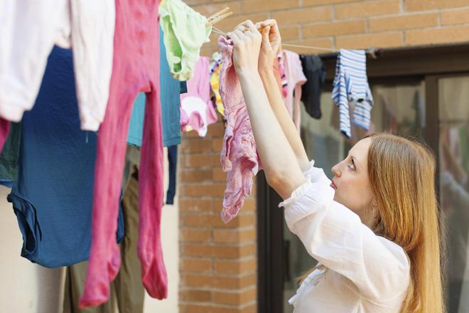 5 sai lầm khi phơi quần áo khiến vi khuẩn tăng thêm rất nhiều lần - Ảnh 4.
