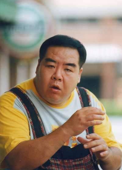 Bi kịch đời chàng mập nổi tiếng nhất Trung Hoa: Đóng phim nóng để trả nợ vì sa cơ lỡ vận - Ảnh 6.