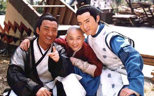 Châu Kiệt: Từ Nhĩ Khang vạn người mê cho tới tới kẻ cờ bạc, nợ nần bị làng giải trí tẩy chay - Ảnh 3.