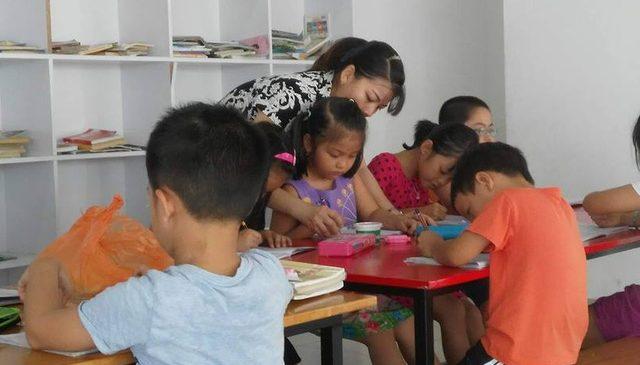 Cho trẻ học chữ trước khi vào lớp 1: Tất cả cùng khổ!