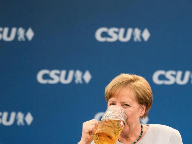 Nữ thủ tướng Đức cũng là một đầu bếp tài năng dù chắc chắn, bà quá nhiều việc để có thời gian nấu đồ ăn cho mình. Món ăn sở trường của bà là súp khoai tây, thịt bò và bánh nho khô.
