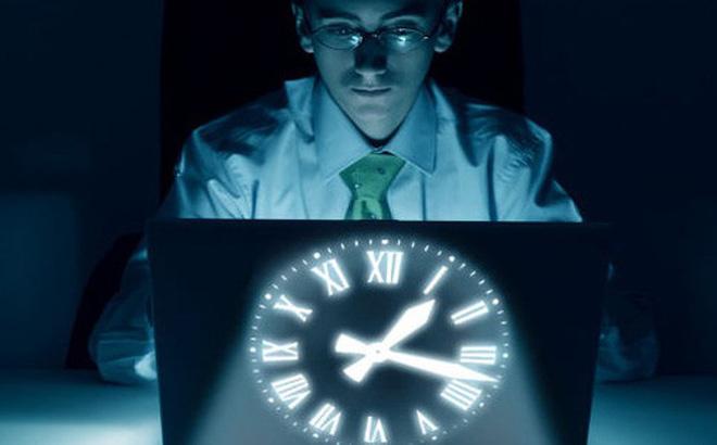 Nếu buộc phải thức khuya, hãy làm theo 4 điều chuyên gia khuyên để bảo vệ sức khỏe
