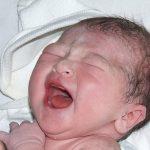 Trẻ mới sinh có 4 bộ phận cần bảo vệ hơn vàng, mẹ tuyệt đối không được chạm tay vào