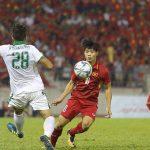 """CĐV Indonesia """"khiêu khích"""" Công Phượng vì không ghi bàn, fan Việt Nam lao vào tranh cãi"""