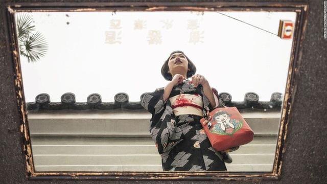 Con đường vào nghề khắc nghiệt của các Geisha tập sự - Ảnh 4.
