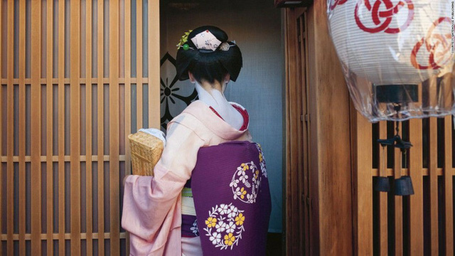 Con đường vào nghề khắc nghiệt của các Geisha tập sự - Ảnh 8.