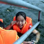 """Hà Nội: cả làng cùng hùn tiền cải tạo, biến ao ô nhiễm thành """"bể bơi"""" miễn phí cho trẻ em"""