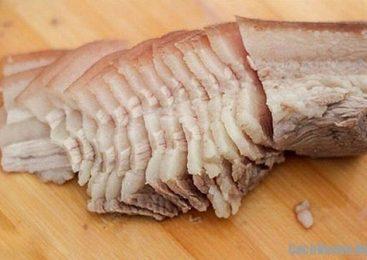 Khi luộc thịt mà cho thêm thứ này vào đảm bảo thịt sẽ chín đều mềm, ngon ngọt cả nhà khen nức mũi