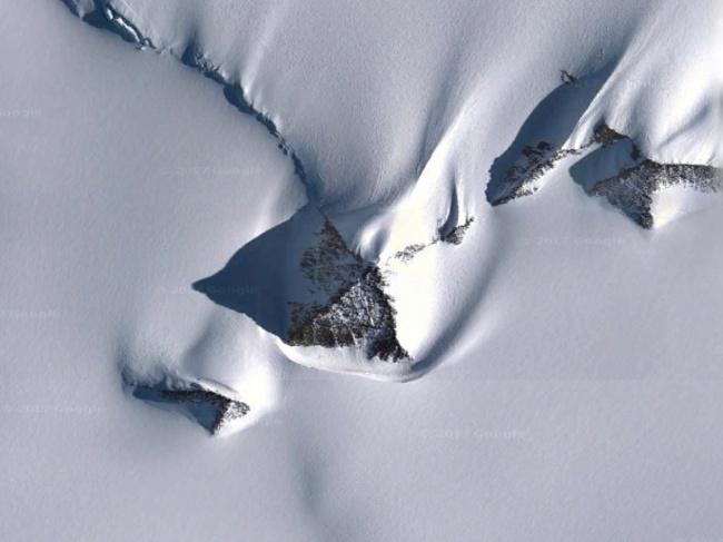 Nhờ Google maps người ta nhìn thấy những hình ảnh này trên Trái đất - Ảnh 2.