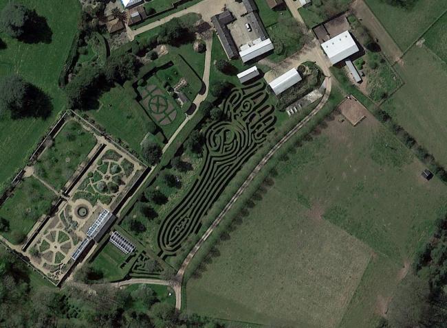 Nhờ Google maps người ta nhìn thấy những hình ảnh này trên Trái đất - Ảnh 4.