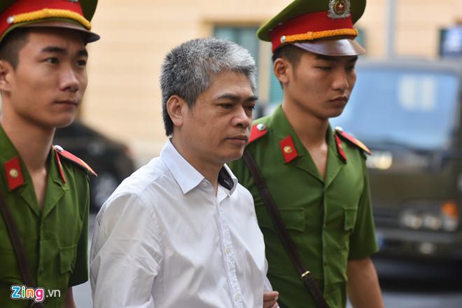Cuu Tong giam doc Oceanbank Nguyen Xuan Son bi de nghi tu hinh hinh anh 2
