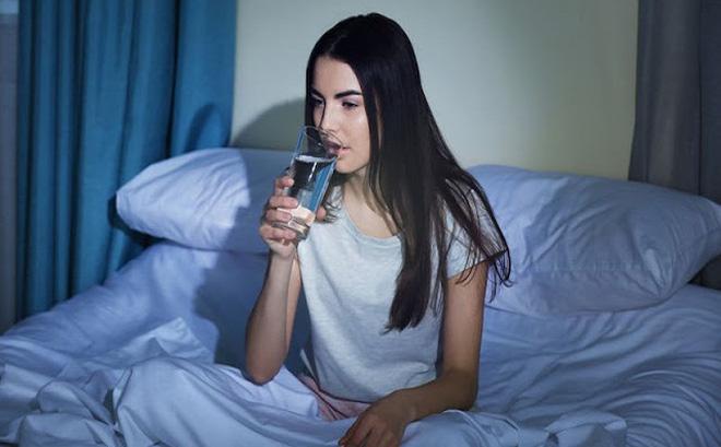 7 bài 'thuốc' dưỡng sinh trường thọ nên làm hàng ngày trước khi ngủ