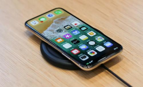 """Cảm nhận ban đầu về iPhone X, mẫu iPhone """"sang xịn"""" nhất của Apple"""