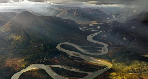 """""""Tại sao các dòng sông không chảy theo đường thẳng?"""" và câu trả lời thức tỉnh nhiều người!"""