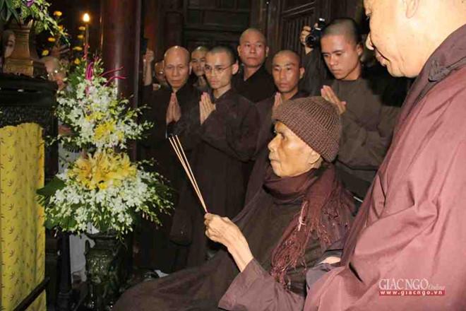 Thien su Thich Nhat Hanh roi Viet Nam di Thai Lan hinh anh 1