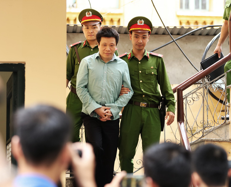 Tuyên tử hình Nguyễn Xuân Sơn, tù chung thân Hà Văn Thắm - Ảnh 4.
