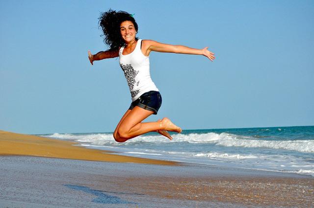 1/10 phụ nữ bị suy giáp: Có dấu hiệu này bạn phải đi khám tuyến giáp luôn và ngay - Ảnh 3.