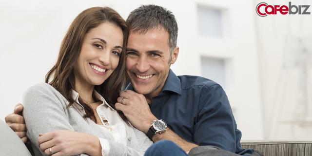 Các nhà khoa học Mỹ chứng minh: Đàn ông sợ vợ không những sống lâu, mà còn dễ thăng tiến và giàu có hơn! - Ảnh 2.