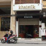 Đứng dậy và làm lại đàng hoàng được không, ông chủ Khaisilk?