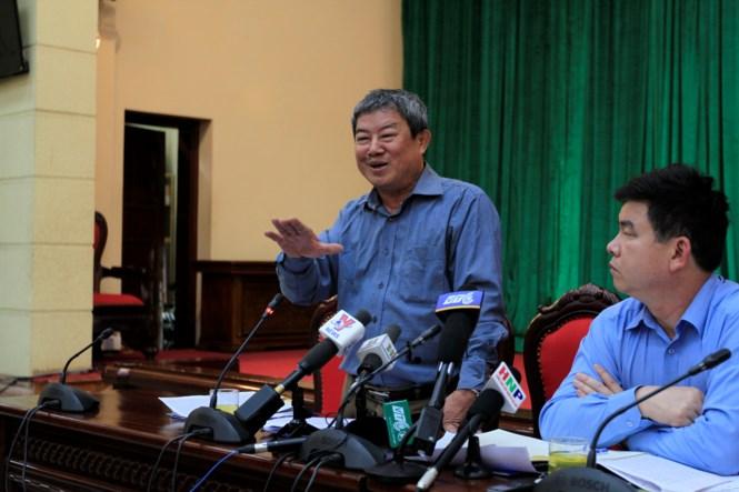 Hà Nội thừa nhận vỡ đê, yêu cầu kiểm điểm phát ngôn 'vỡ đê có kế hoạch' - ảnh 1