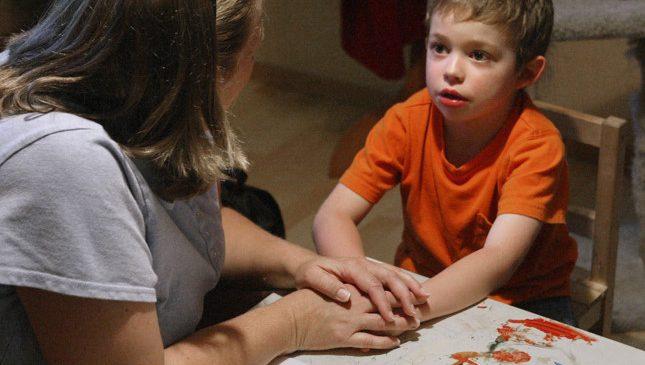 Một hành trình tuyệt vọng của cha mẹ trẻ tự kỷ