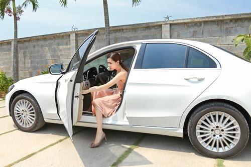 Mỹ nữ Vũng Tàu đi siêu xe 70 tỷ: Từ con gái người bán vé số đến cuộc sống xa hoa bên đại gia - Ảnh 3.