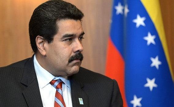 Venezuela: Hàng không tháo chạy, chính phủ hết giấy, mực in hộ chiếu