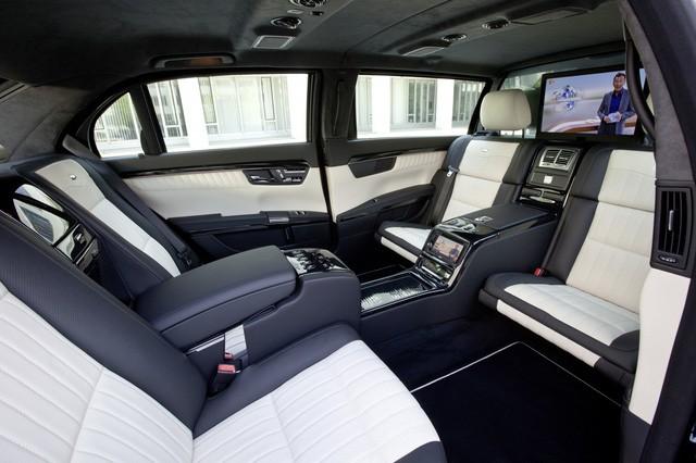 Nội thất hiện đại bên trong xe. (Ảnh: Caricos)