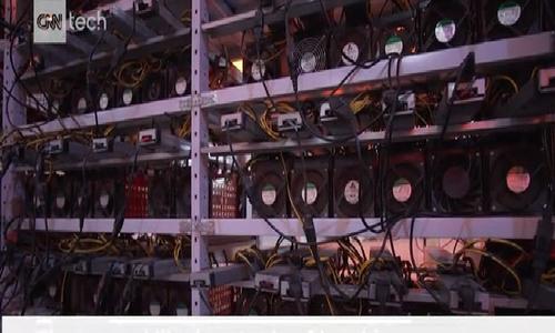 """Bên trong xưởng """"đào"""" bitcoin đầu tư chục triệu USD"""