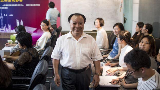 Ông Shu Xin, 1 trong 2 người sáng lập bệnh viện tình yêu Weiqing. (Ảnh: Getty)