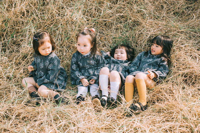 Mẹ chơi với nhau thời ĐH, lên 3 tuổi các con đã có bộ ảnh cùng hội bạn thân siêu đáng yêu - Ảnh 2.