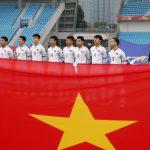 Chủ tịch nước tặng Huân chương cho HLV Park Hang Seo, Quang Hải, Tiến Dũng và đội U23