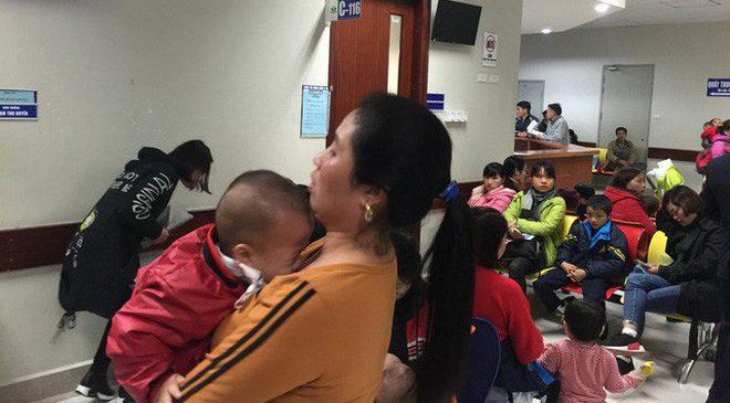 """Chuyên gia BV Nhi Trung ương: Trẻ sốt cúm tuyệt đối không tự ý dùng """"thuốc trị cúm"""" này!"""