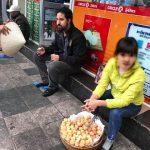 Khách Tây bị ép mua 4 chiếc bánh rán giá 80.000 đồng