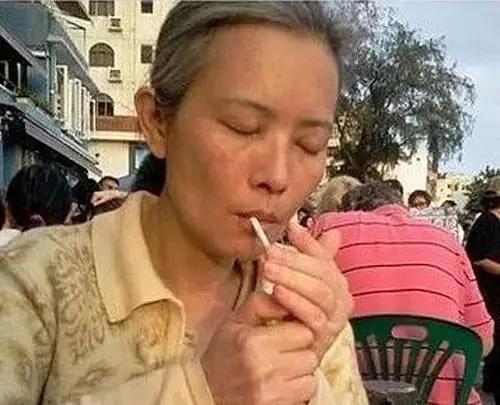 Ngọc nữ Hong Kong bị cưỡng hiếp phát điên, sống lang thang đường phố: Tôi chỉ tin Lưu Đức Hoa! - Ảnh 2.