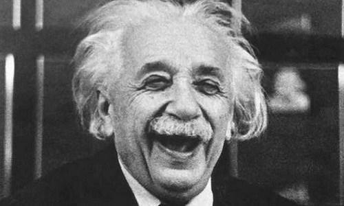 Einstein ngủ ít nhất 10 tiếng mỗi ngày. Ảnh: BBC.