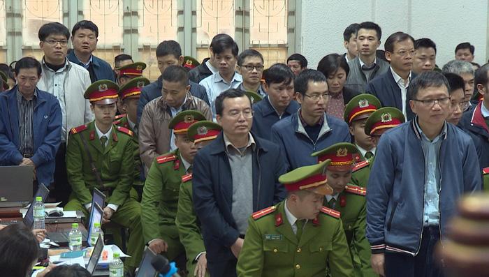 Những tình tiết khó quên trong phiên xét xử ông Đinh La Thăng - Ảnh 1.
