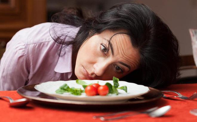 Ăn kiêng quá khắt khe sẽ suy tim!
