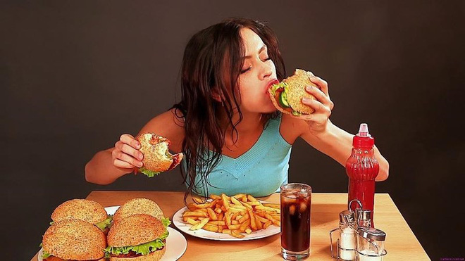 Vì sao một số người ăn nhiều vẫn không béo? - Ảnh 1.