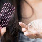 Đừng chủ quan nếu thấy tóc rụng nhiều bởi đó có thể là dấu hiệu của một vài bệnh lý nguy hiểm