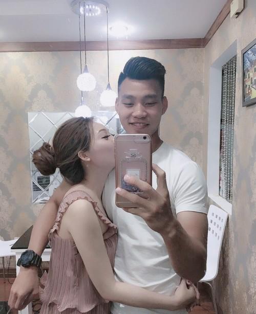 Vũ Văn Thanh đưa bạn gái hot girl về ra mắt bố mẹ - Ảnh 1.