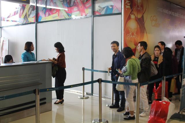 Khách đi Myanmar lên nhầm máy bay Singapore, 3 người bị phạt tiền - Ảnh 1.