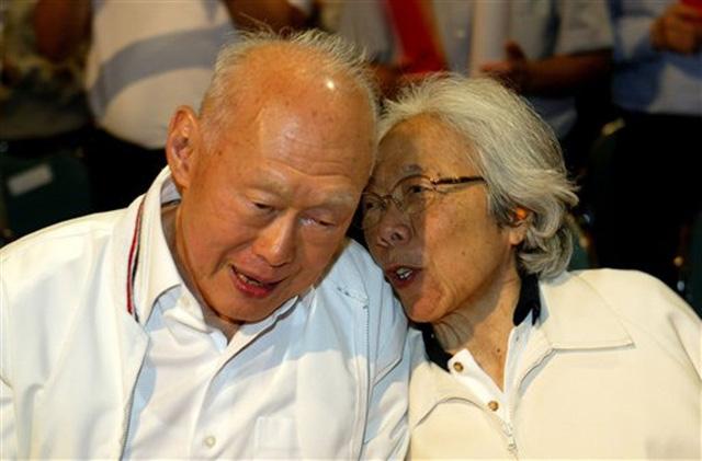 Vợ chồng ông Lý khi tuổi già. Ảnh: Google Images