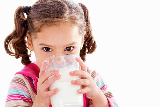 Nhiều người tẩy chay sữa bò vì sợ ung thư: Đừng nghe lời đồn, hãy nghe chuyên gia nói - Ảnh 3.