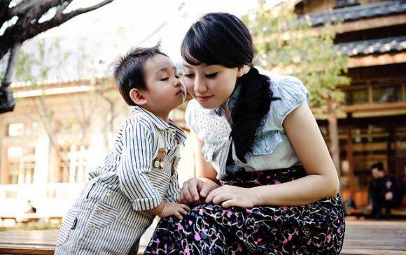 Trẻ em Nhật luôn an toàn, tự lập nhờ được mẹ rèn 7 kỹ năng này từ khi lọt lòng