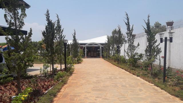 Ca sĩ Hồ Quỳnh Hương thừa nhận việc xây Khu du lịch trái phép - Ảnh 2.