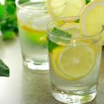 Điều tuyệt vời gì sẽ xảy ra khi uống nước chanh ấm vào 7h sáng, 11h30 sáng, 5h30 chiều và 8h tối?