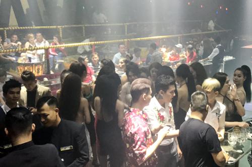 'Xã hội đen' ẩn náu trong vũ trường, karaoke ở Sài Gòn