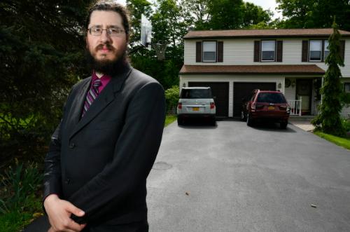 MichaelRotondo chây ỳ sống tại nhà bố mẹ dù bị đuổi đi khiến phụ huynh phải kiện ra tòa. Ảnh: Nypost.