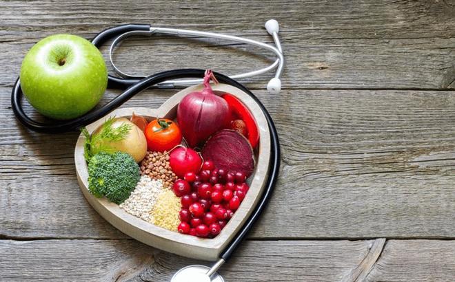 Nguyên tắc ăn uống để phòng tránh đột tử do bệnh tim: Người già hay trẻ đều <a  href=